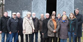 The image shows members of the Friends' Association at Laura memorial