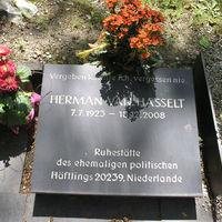 Urn grave of Herman van Hasselt
